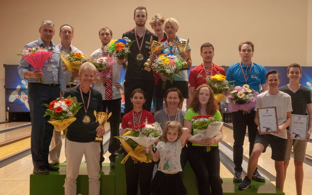 Latvijas XXI Meistarsacīkstes boulingā